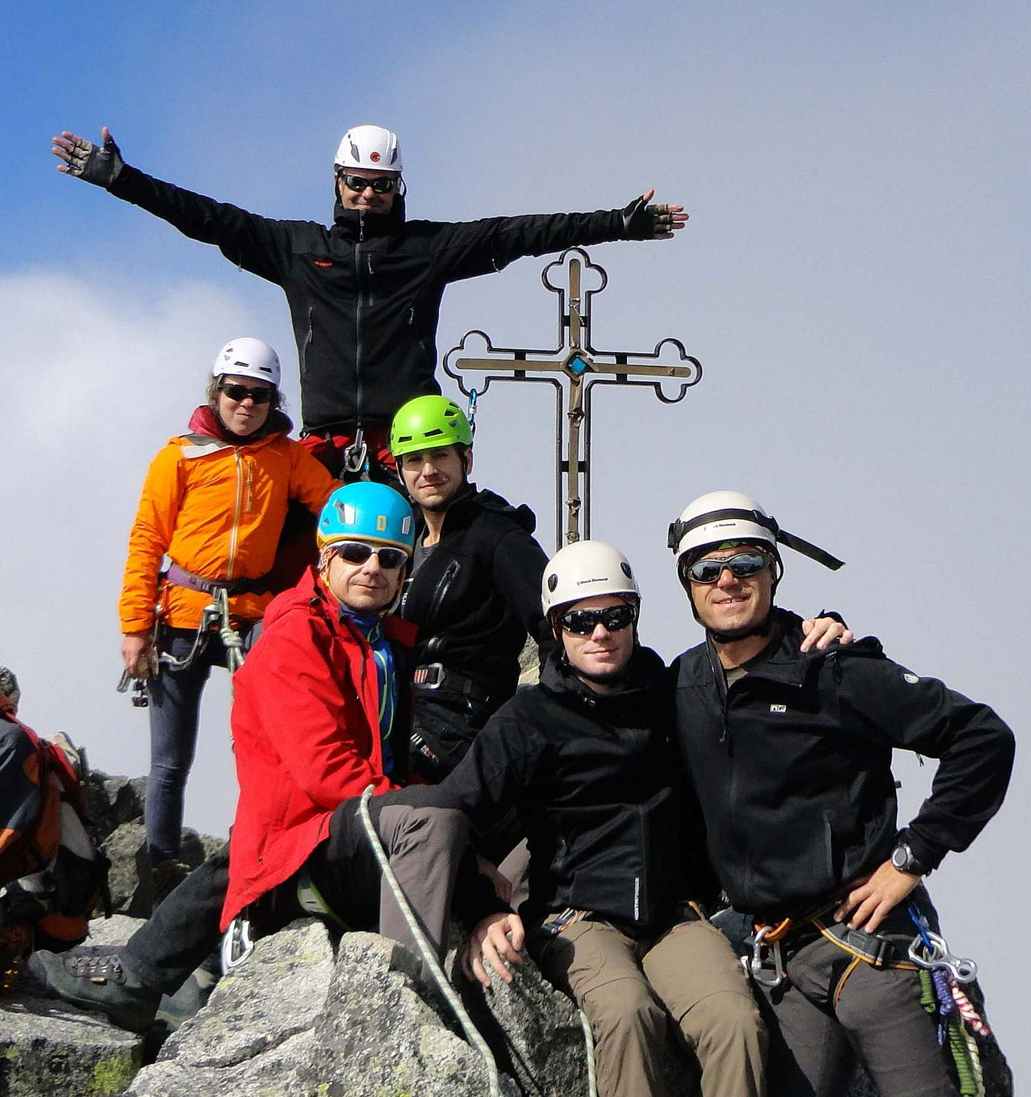 Konečne celá partia pokope na vrchole: Janka, Peter, ja, Števo, Tomáš a Dušan