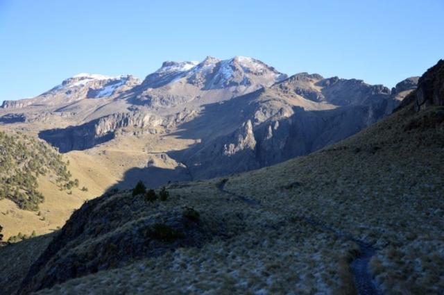 Iztaccihuatl 5220 m, nazývaná aj Spiaca žena
