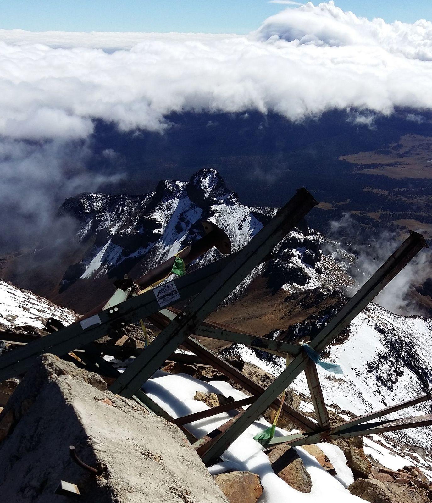 Iztaccihuatl  5220 m - takto to vyzeralo hore