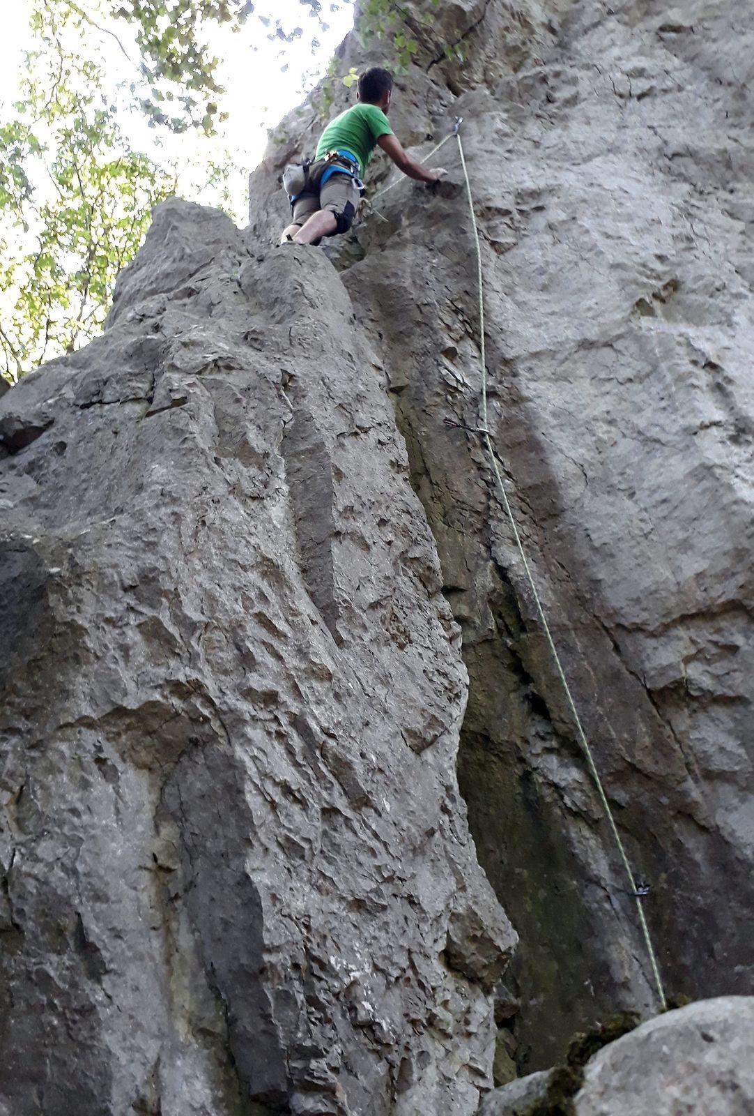 Milkine veže, lezenie cesty Tenká čára (5)