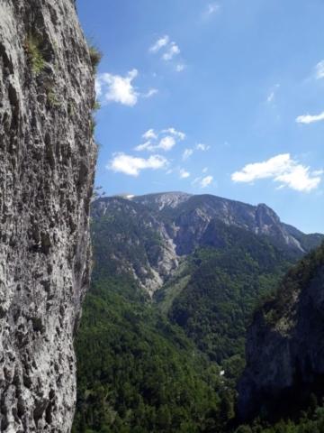 Výhľad na Schneeberg zo štandu