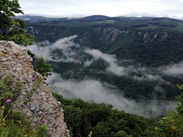 Výhľad z Muránskeho hradu