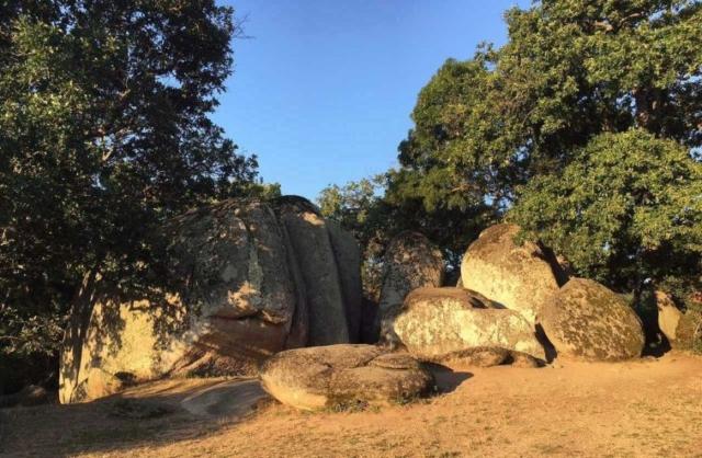 Ochutnávka megalitov z Beglik Tašu (5)