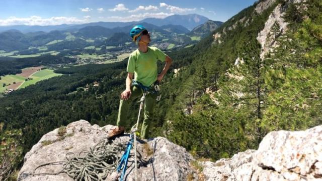 Typický Hohe Wand so Scheebergom v pozadí (foto - Michael Durczok)