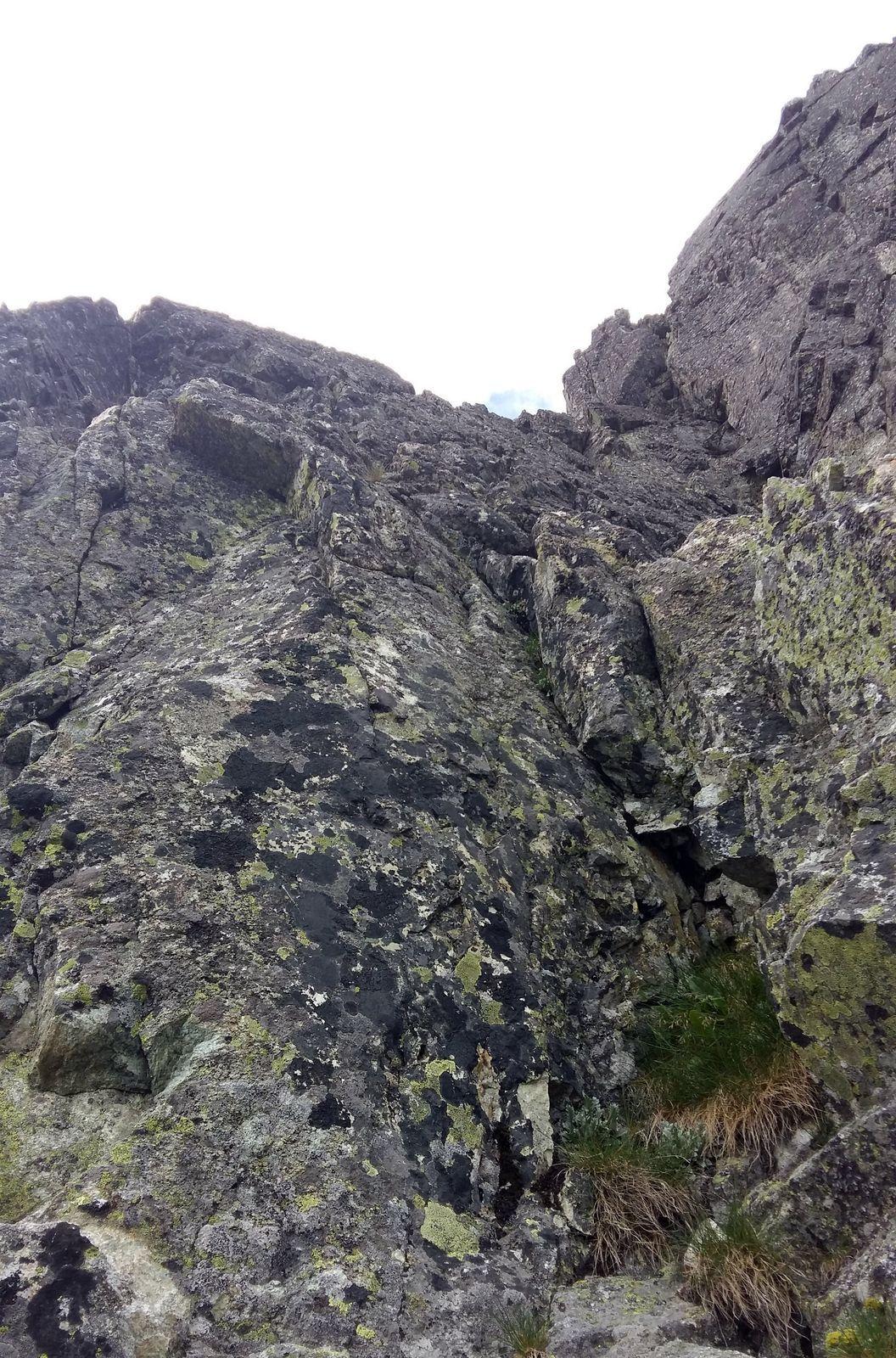 Rebrom na V vrchol, Kele – Šuna