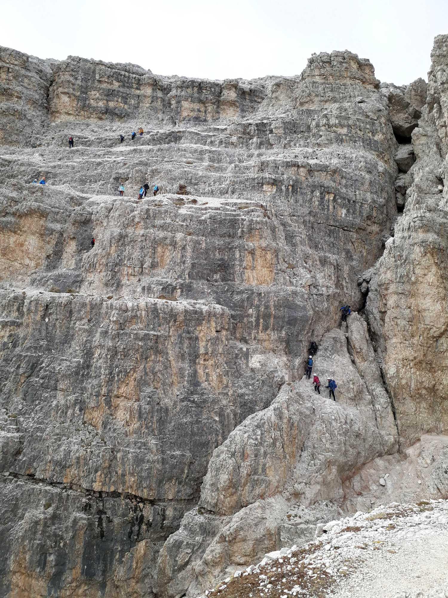 Najnáročnejší úsek ferraty De Luca - Innerkofler: záverečný výšvih na Monte Paterno