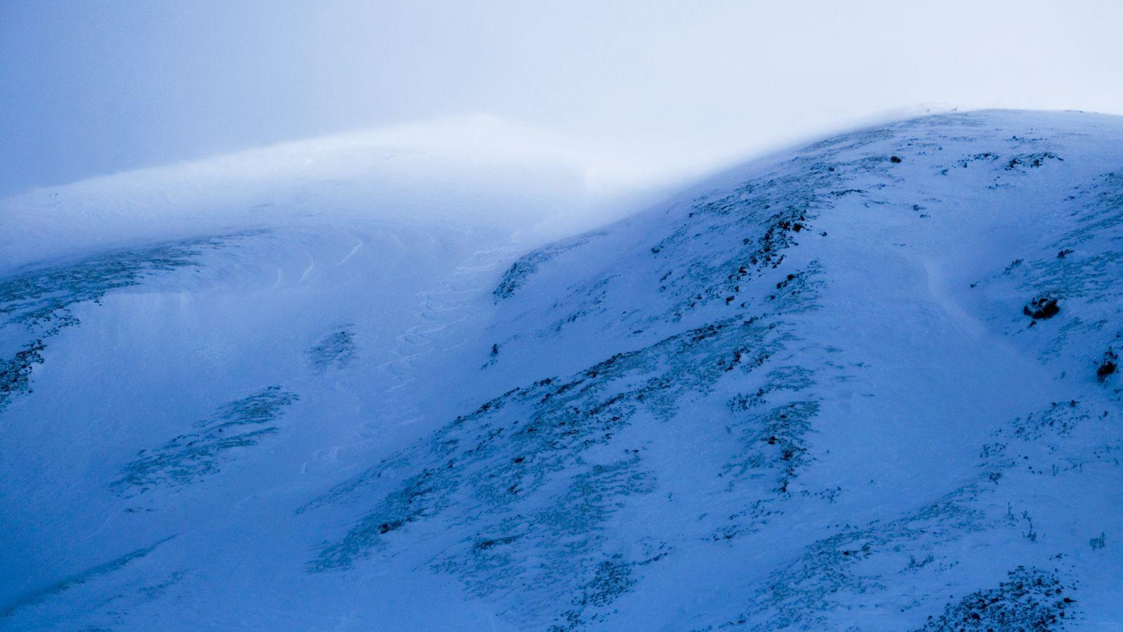 Naše stopy v západnej mulde Klinu (foto Lukáš)