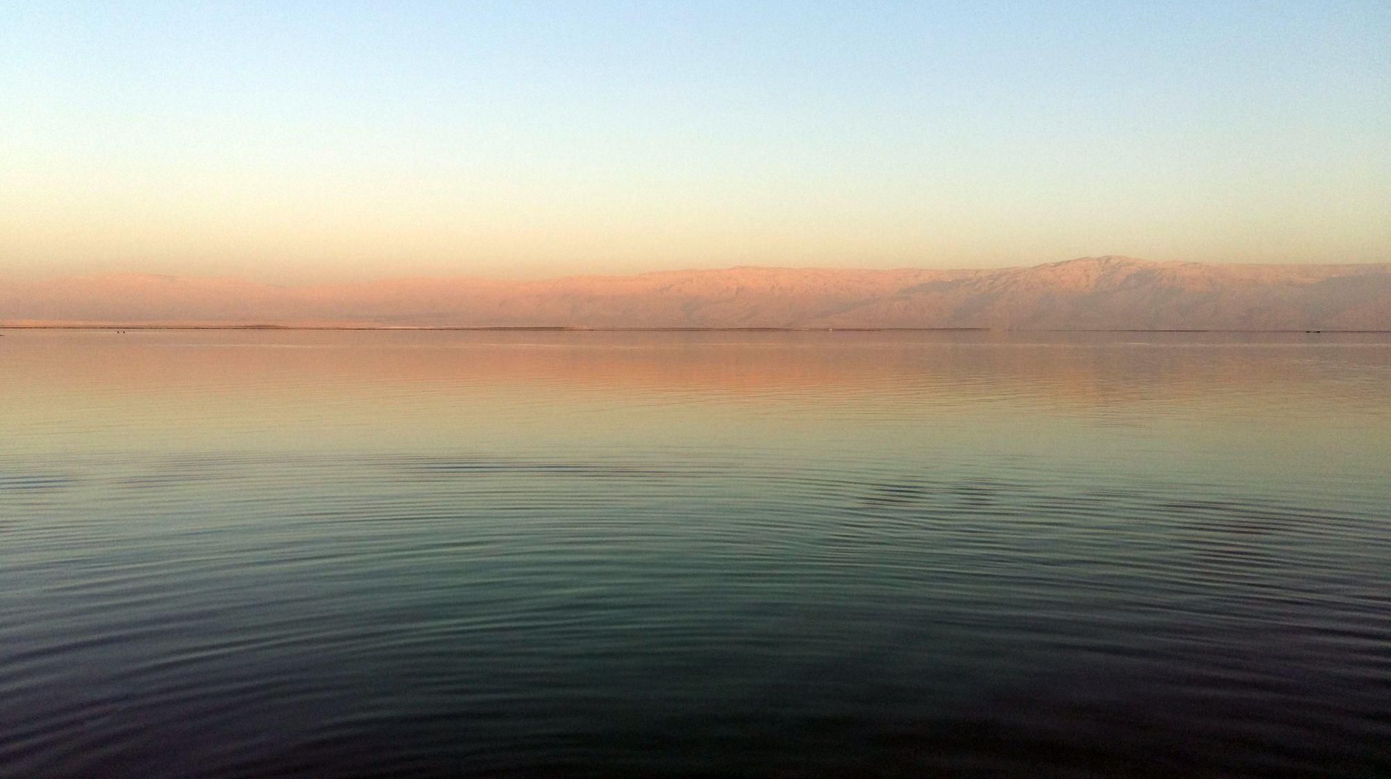Mŕtve more, výhľad na jordánsky breh