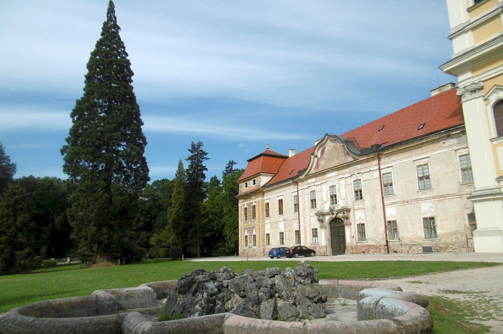 Jasovský kláštor premonštrátov 2