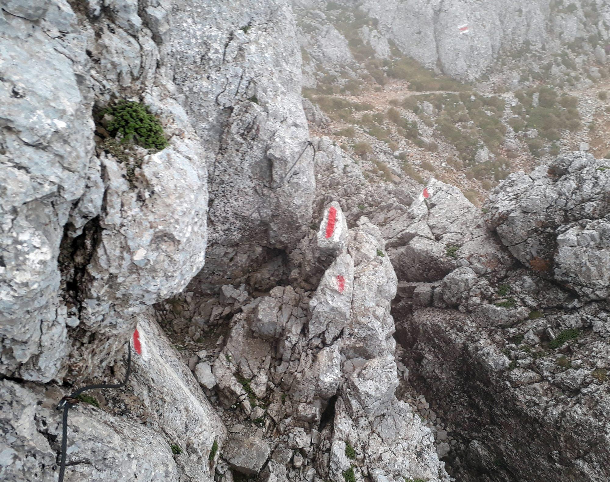 Krátky zaistený úsek v hornej časti Herminensteigu
