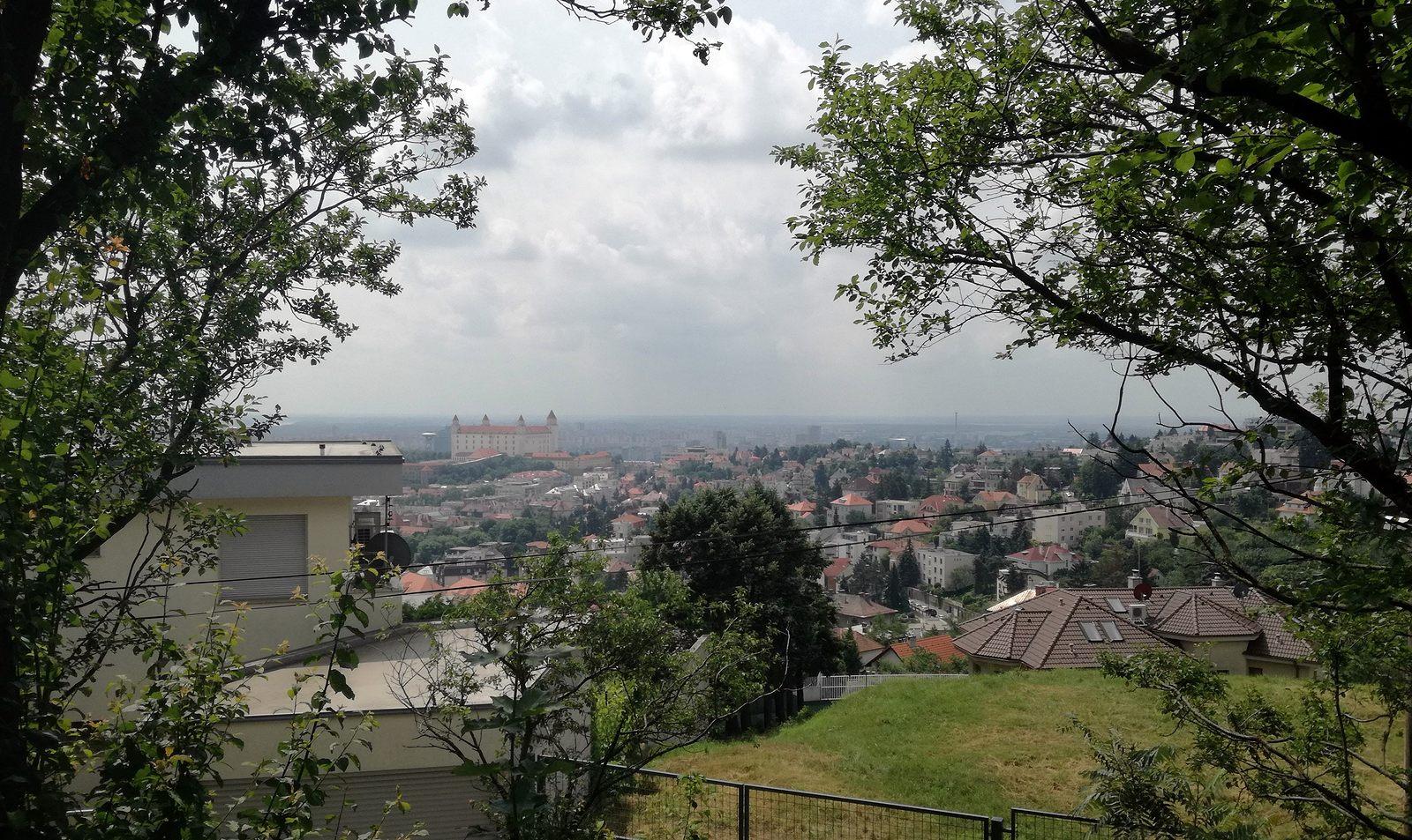 39 Bratislava