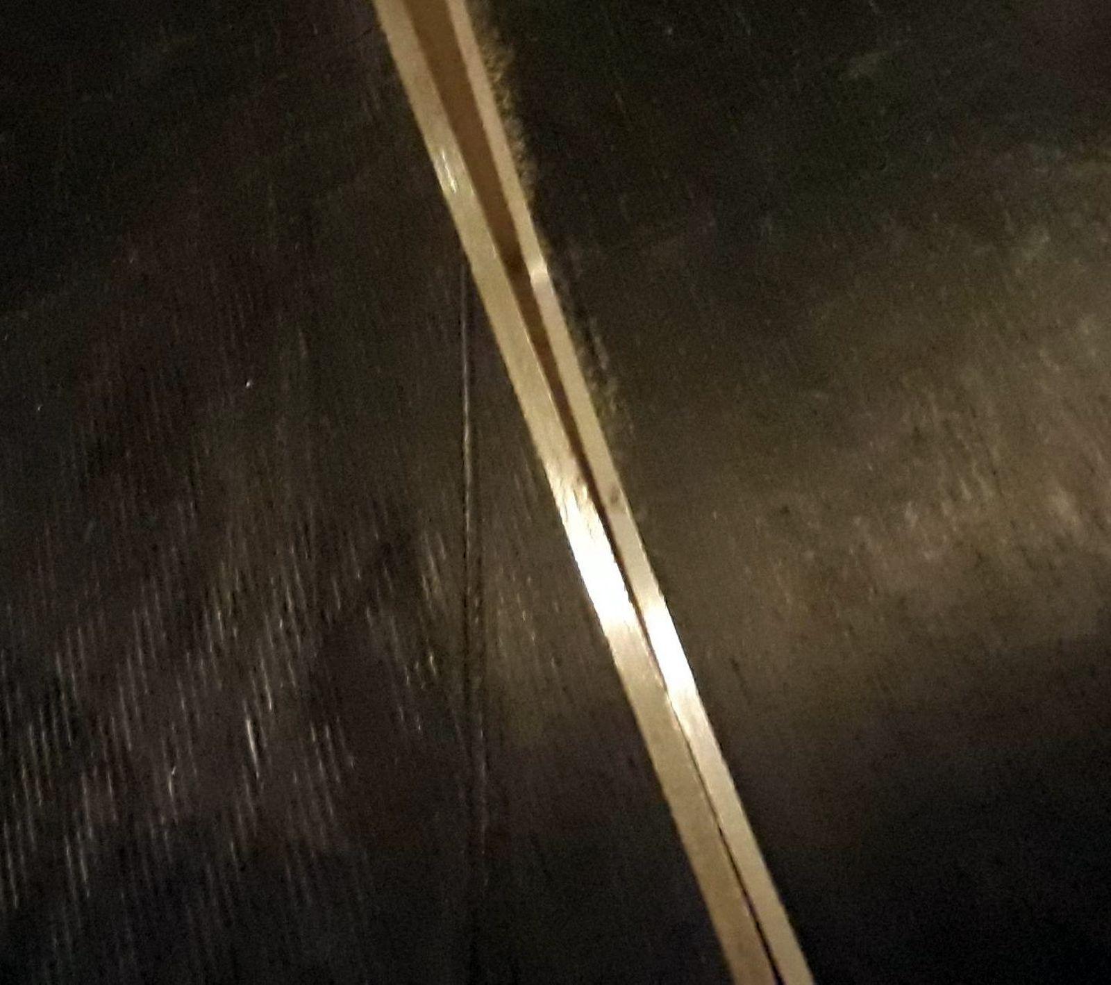 Tenké hrany vľavo Movement vpravo SkiTrab
