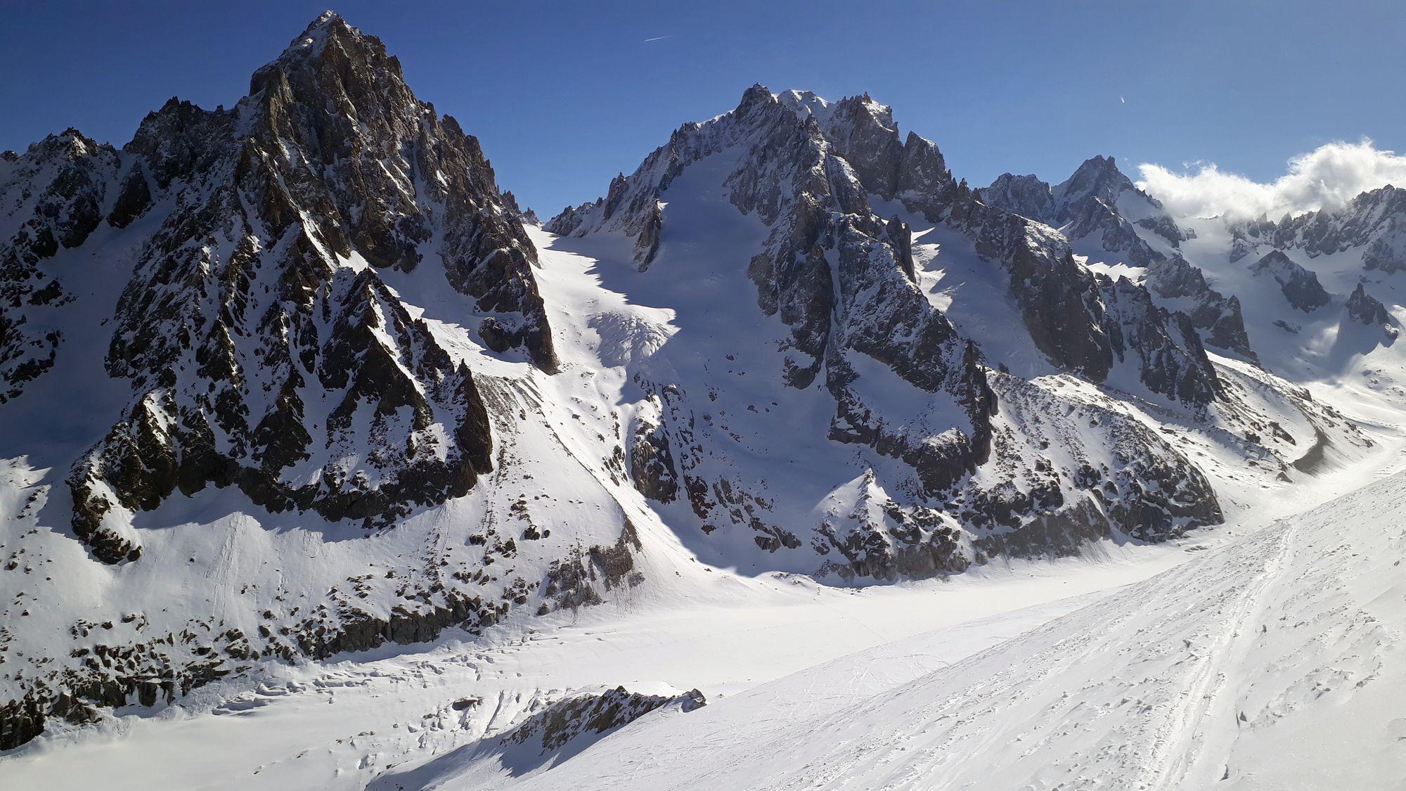 02 Pohľad na prvý cieľ Col du Chardonnet