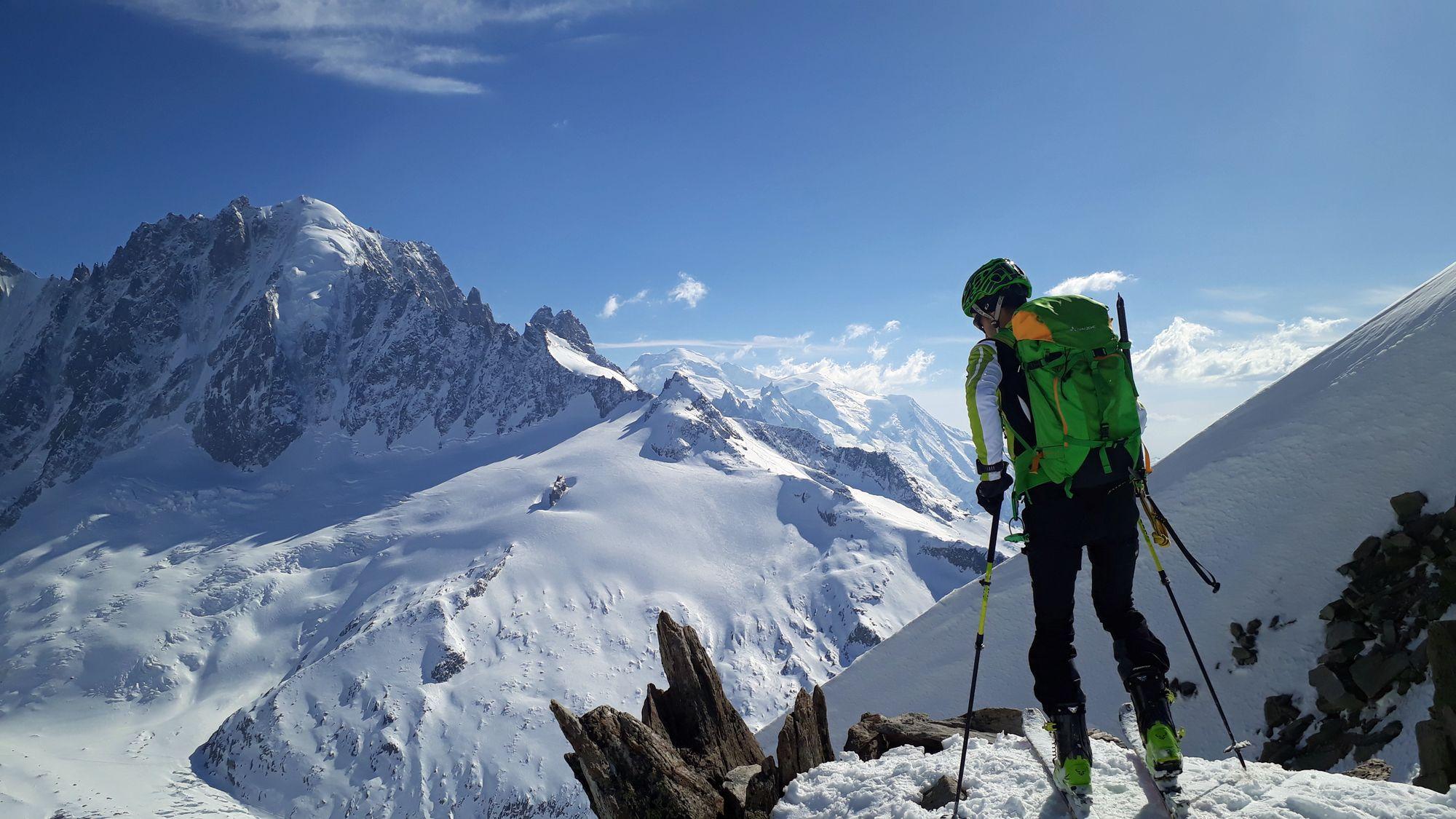 22 Col du Passon s Mont Blancom v pozadí