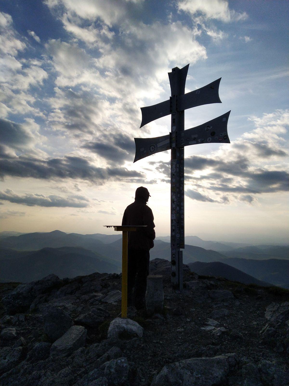 20 Karpatské Moderato Con brio