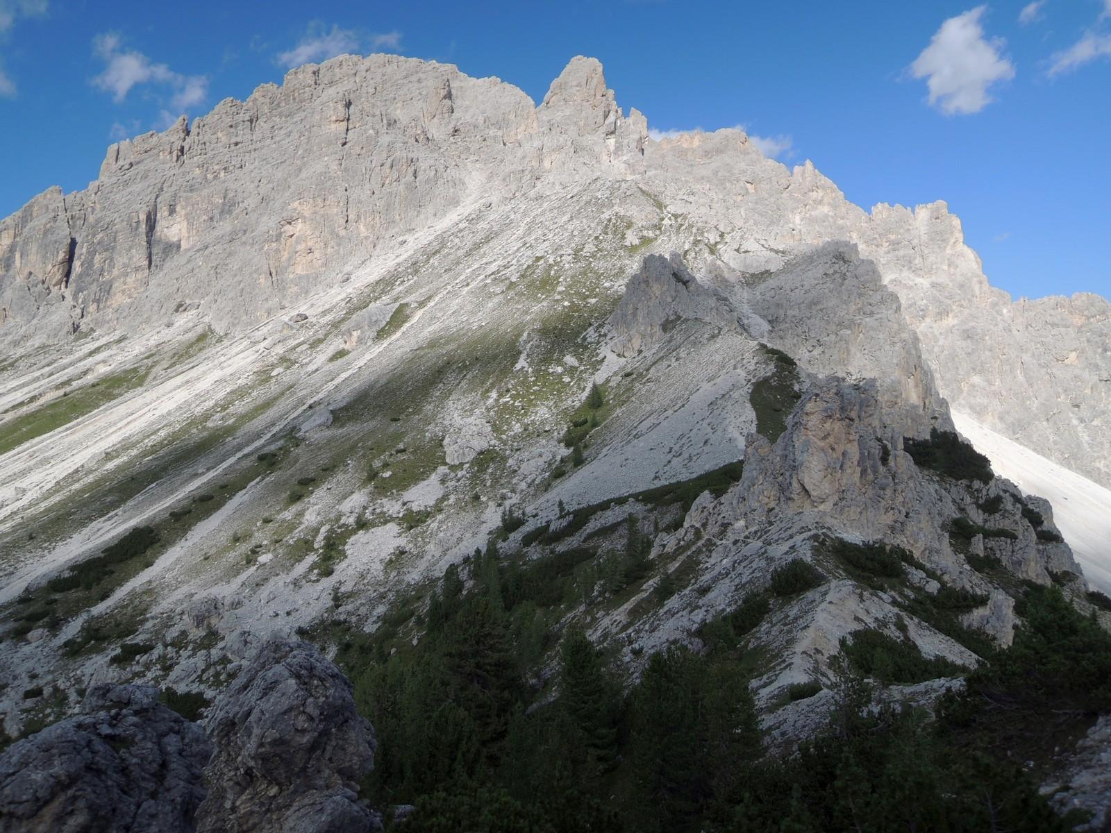 16 pohľad z hrebienka na nevyrazný Col de Varda