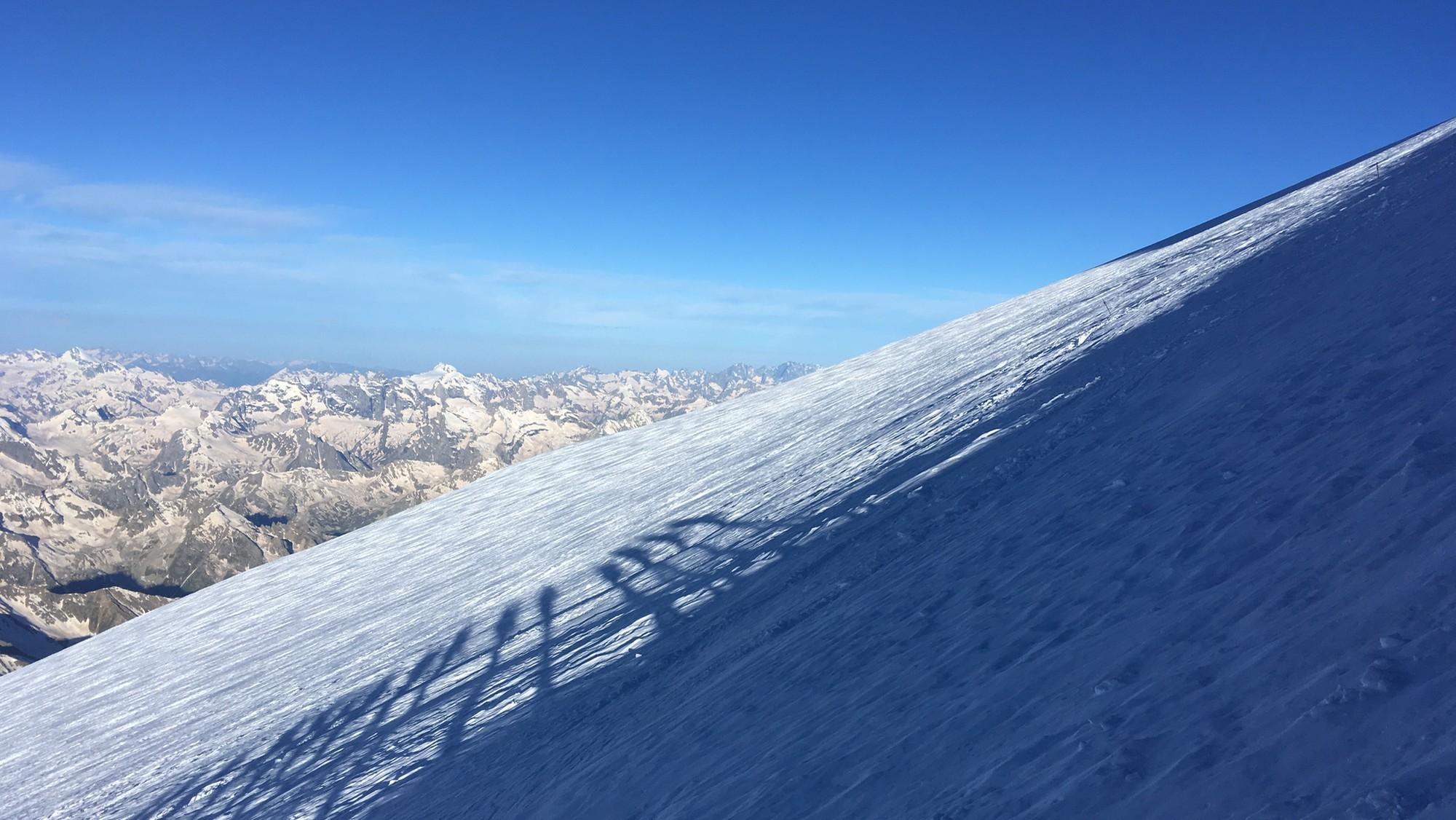 32 Elbrus