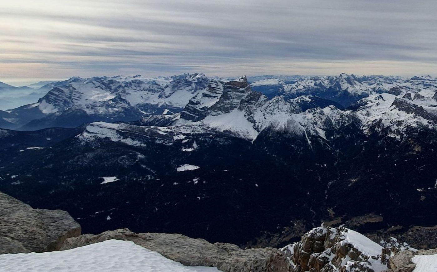 00 Monte Pelmo v strede pohľad z vrcholu Monte Antelao
