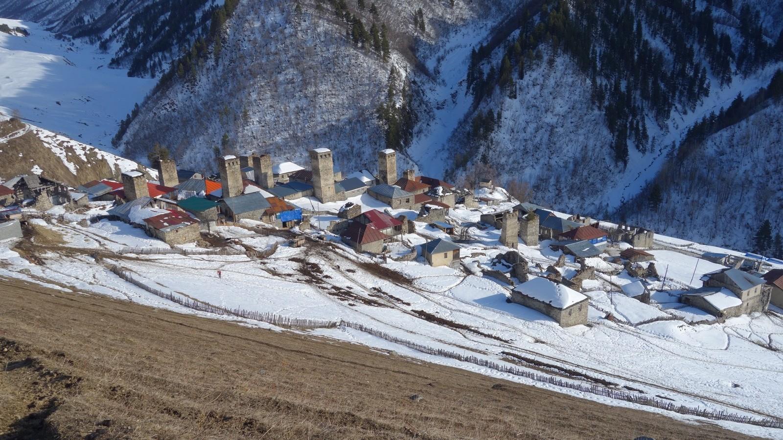 05 Gruzínsko Svanetia: Adishi - jedna z kaukazských malebných dediniek, kde sa zastavil život